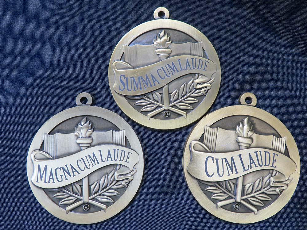 Cum Laude medals